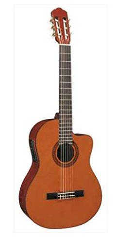 Come scegliere una chitarra classica amplificata in commercio